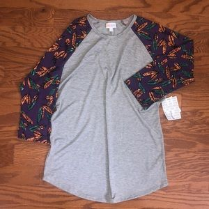 Randy 3/4 Feather Patterned Sleeve Baseball Tee